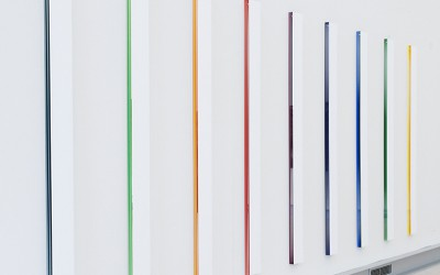 White Coloured Stripes, 2009 vinyl, akrylglas 190 x 570 x 4 cm